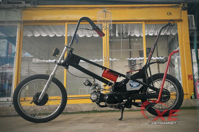 """Honda Super Cub 1978 """"biến hình"""" cực dị của dân chơi Sài Gòn"""