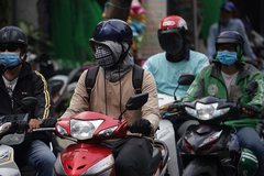 PM asks Hanoi, HCMC to fix air pollution