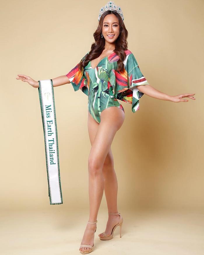 Hoa hậu Trái Đất Thái Lan rách vòng 3 vì bơm quá đà