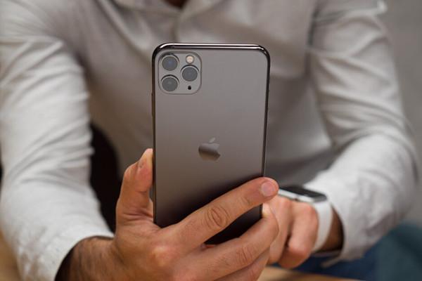 Vì sao Apple không cập nhật chế độ chụp đêm cho các iPhone đời cũ?