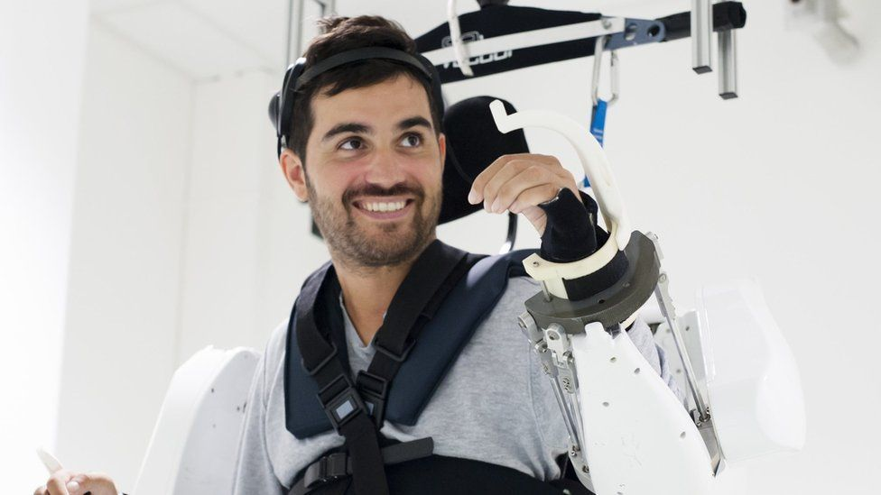 Paralysed man moves in mind-reading exoskeleton,world news,regional news,southeast asian news,asian news,latest news from southeast asia,breaking news southeast asia
