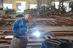 Vietnam shipbuilding industry short of skilled workers