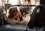 Selena Gomez hôn say đắm trong 'Chuyện ngày mưa ở New York'