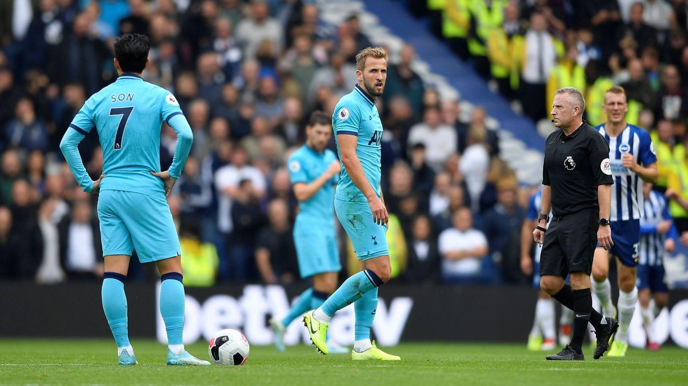Lloris bị gãy tay, Tottenham thua trận thứ 5 liên tiếp