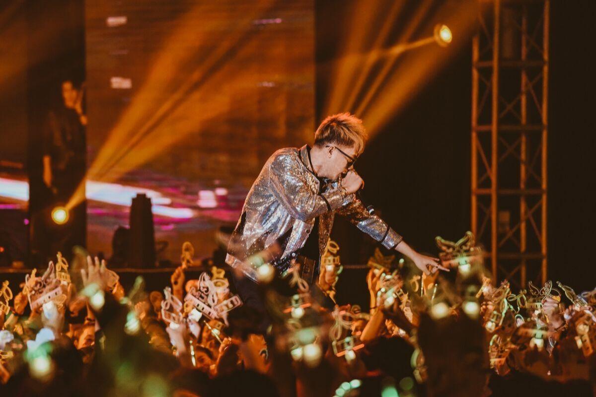 Jack, K-ICM bật khóc khi MV mới đạt Top 4 bảng xếp hạng thế giới