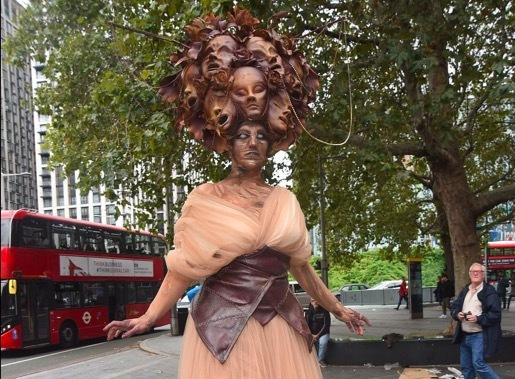 Hình ảnh London tràn ngập xác sống