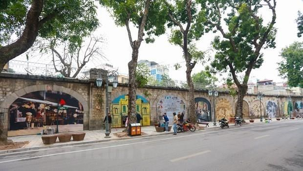 Hanoi's Old Quarter hosts strings of events for Liberation Day celebration