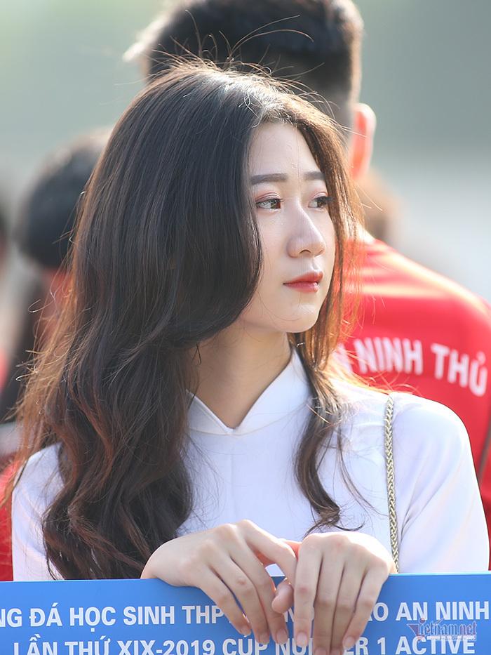 Ngắm nữ sinh trung học Hà Nội khoe sắc trong nắng thu