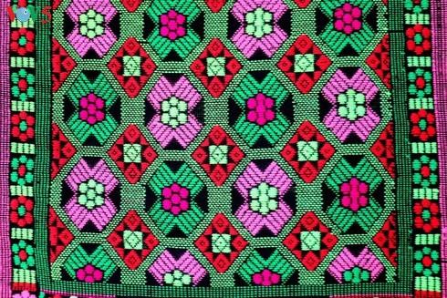 weaving,Tay ethnic minority,Cao Bang,brocades,UNESCO,Non Nuoc Cao Bang,geopark