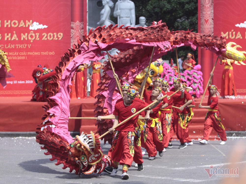 múa rồng,giải phóng thủ đô,phố đi bộ,hồ Gươm,Hà Nội