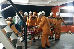 Lính cứu nạn hàng hải ra tay kịp thời, dân không mất 70 triệu