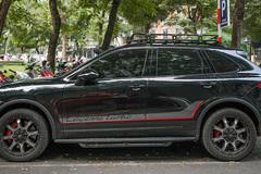 Ngắm Porsche Cayenne độ lạ của ông chủ cà phê Trung Nguyên