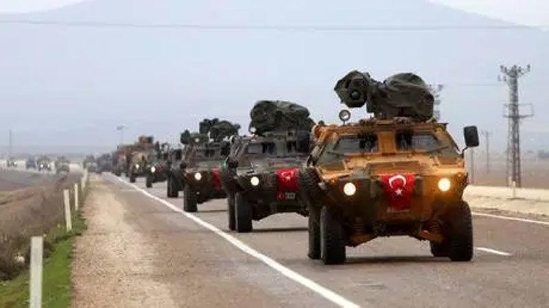 Hình ảnh quân lính Thổ Nhĩ Kỳ rầm rập tiến sát Syria