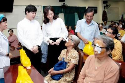 Hoa hậu Đặng Thu Thảo và ông xã kỉ niệm 2 năm ngày cưới theo cách đặc biệt