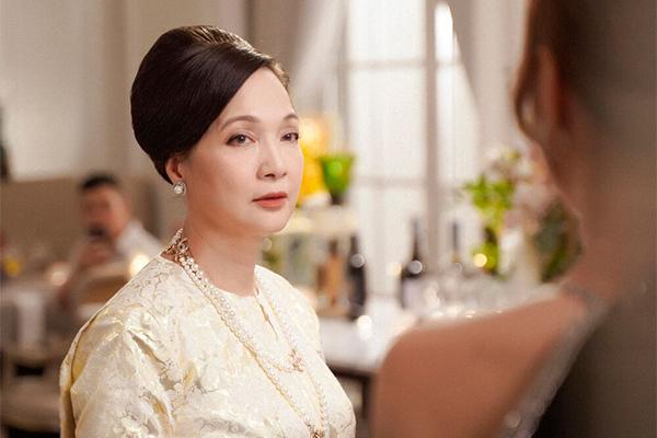NSND Lê Khanh trở lại điện ảnh vẫn đẹp ngỡ ngàng sau 20 năm