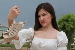 Lương Thanh không dám lên mạng đọc bình luận ném đá 'Trà tiểu tam'