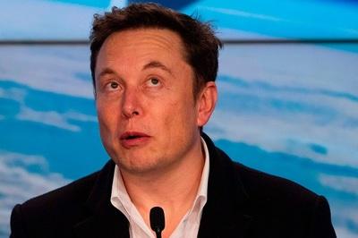 Elon Musk thúc đẩy dự án cấy chíp vào não người