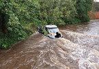 Quá tin định vị GPS, tài xế lái xe thẳng xuống sông