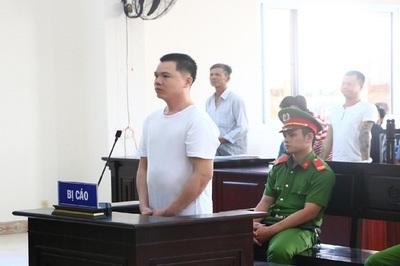 Kẻ giết vợ bằng 39 nhát dao trong phòng trọ ở Bình Dương lãnh án chung thân