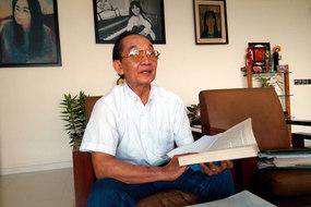 Vị giáo sư 30 năm đau đáu với ước nguyện cứu hàng ngàn bệnh nhi hiểm nghèo