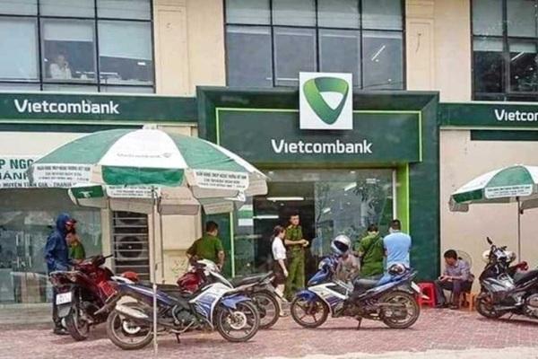Thượng sỹ công an Thanh Hóa cướp ngân hàng có dấu hiệu phạm 4 tội?