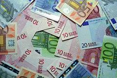 Tỷ giá ngoại tệ ngày 10/10, USD đứng ở mức cao, euro suy yếu
