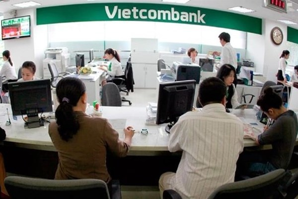 VN-Index,Ho Chi Minh Exchange,benchmark VN-Index,Hanoi Stock Exchange,BIDV Securities Company,Viet Dragon Securities JSC,Vietcombank,Vinhomes,PetroVietnam Gas JSC,VinGroup