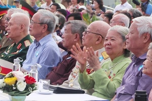 VIETNAM NEWS HEADLINES OCTOBER 8