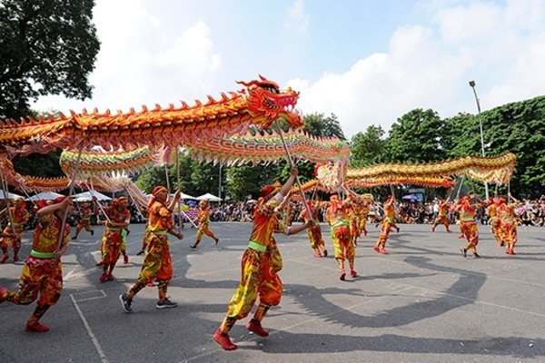 Joyful dragon dance festival celebrates Hanoi's liberation