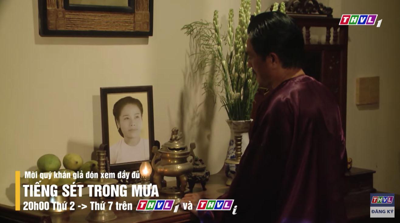'Tiếng sét trong mưa' tập 32 Bình hối lộ người ở giữ kín chuyện loạn luân với mẹ kế