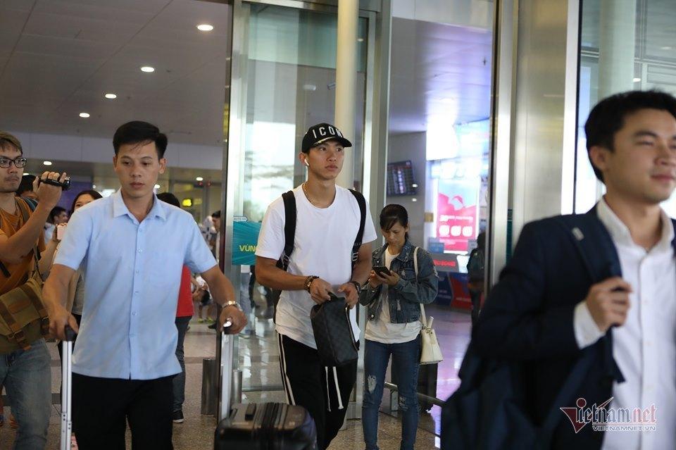 Văn Hậu có mặt ở Hà Nội, sẵn sàng đấu Malaysia