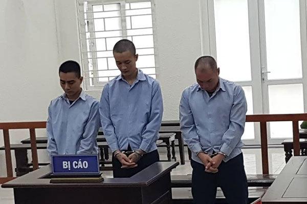 Hai bé gái 15 tuổi bị giam lỏng để mua vui cho đàn ông ở Hà Nội