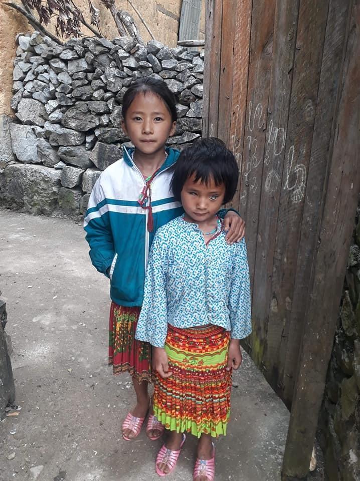 Chia sẻ,học sinh nghèo,hộ nghèo người Mông