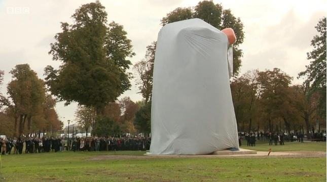 Jeff Koons' Paris Bataclan sculpture mocked as 'pornographic'