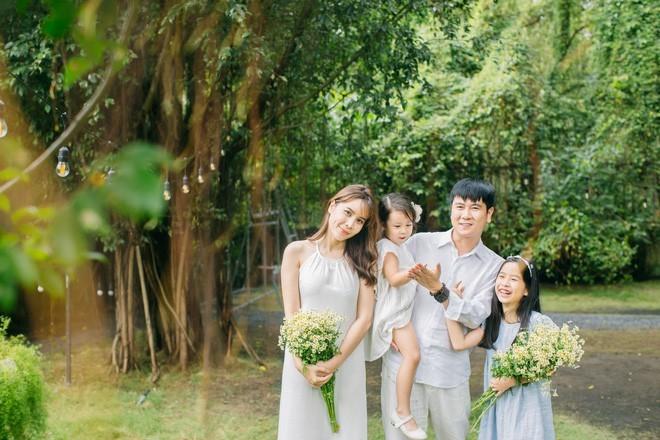 Lưu Hương Giang: 'Chúng tôi không mang gia đình ra để PR'