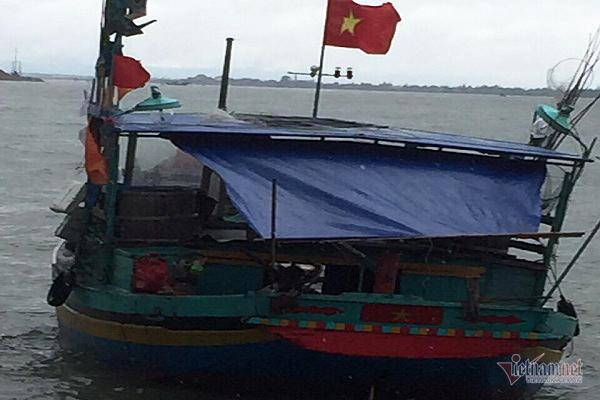 Một ngư dân Hà Tĩnh rơi xuống biển mất tích