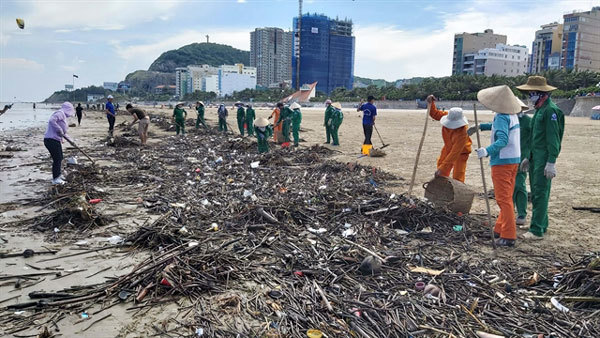 Ba Ria-Vung Tau's beaches full of waste