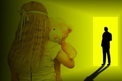 Hàng nghìn kẻ ấu dâm đổi tên, làm việc ở trường học Anh