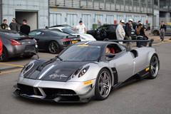 Tai nạn triệu đô giữa Porsche 911 GT2 RS và Pagani Huayra BC