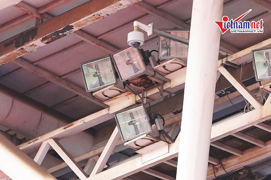 Sân Mỹ Đình lắp hơn 40 camera chống pháo sáng trận Việt Nam - Malaysia