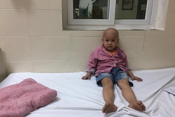 Cảnh đời người phụ nữ hiếm muộn 3 lần mất con, con út bị ung thư