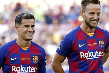 Barca bán đứt Coutinho và Rakitic