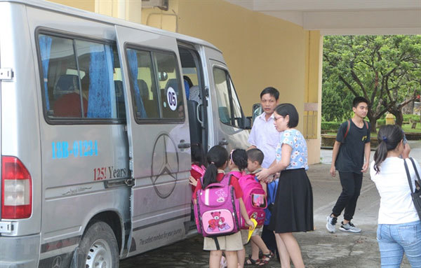 Ministries work together to improve school bus safety
