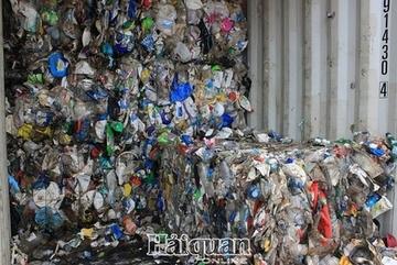 Vietnam tackleswaste container problem