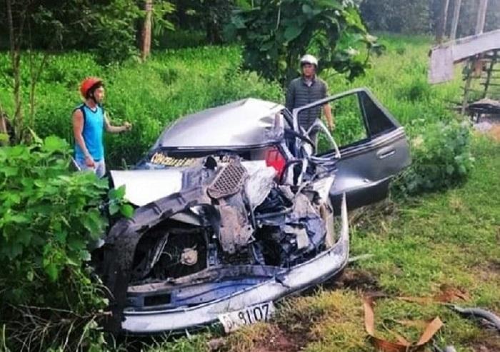 Xe 4 chỗ biến dạng sau tai nạn ở Đồng Nai, một phụ nữ thiệt mạng