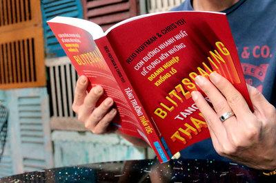 Cuốn sách được Bill Gates đích thân viết lời tựa, giám đốc Facebook khuyên đọc