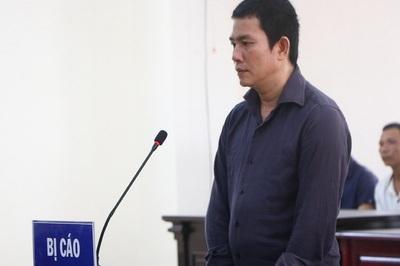 Kẻ giết vợ bằng 10 nhát búa ở Bình Dương ngất xỉu khi lãnh án tử