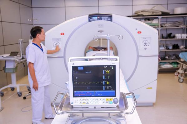 chẩn đoán ung thư,chụp PET/CT,điều trị ung thư