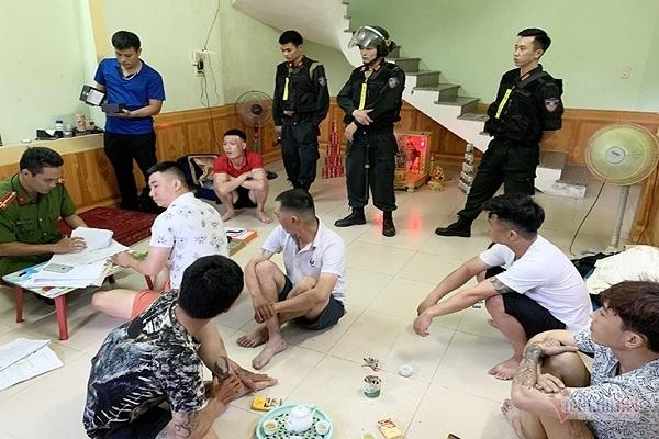 Thủ đoạn tinh vi của nhóm tín dụng đen ở Quảng Bình có hơn 500 người sập bẫy
