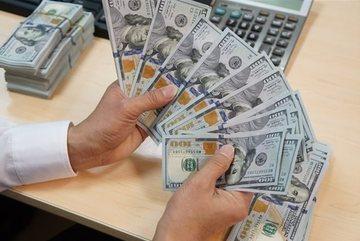 Ngân hàng ngoại 'lách luật' để thu hút tiền gửi ngoại tệ